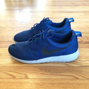 Men's Nike Roshe One sneakers - size 10.5